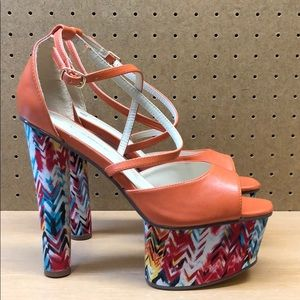 C. Label Kelly-5 Open Toe Platform Heels sz 8.5